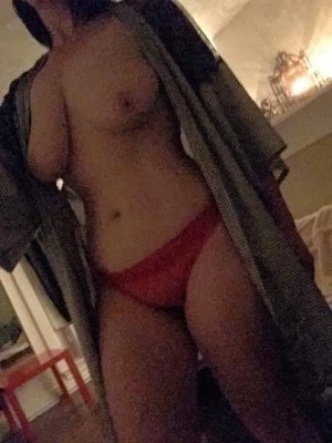 Leonille independent escorts in Portsmouth