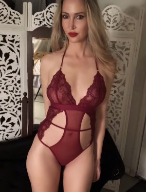 Maelyne incall escorts in Colton and sex party